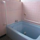 浴室では多くの箇所に手摺りの取付けが必要となってきます。