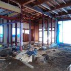 床・壁・天井の解体