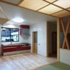 家の中心に台所を配置